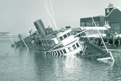 IMAGE(http://www.wreckhunter.net/images/stuyvesant3.JPG)